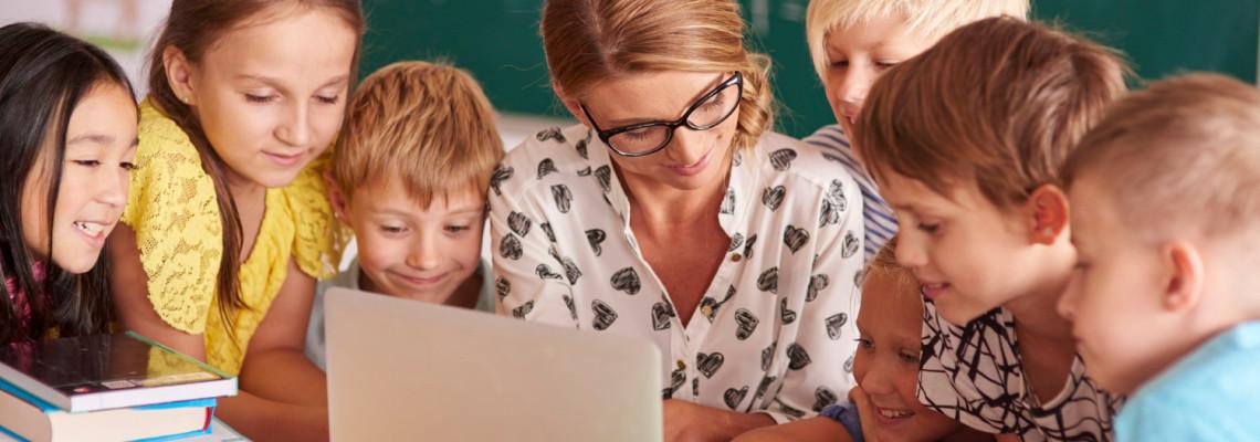 28 идеи за подаръци за учителка и класен ръководител