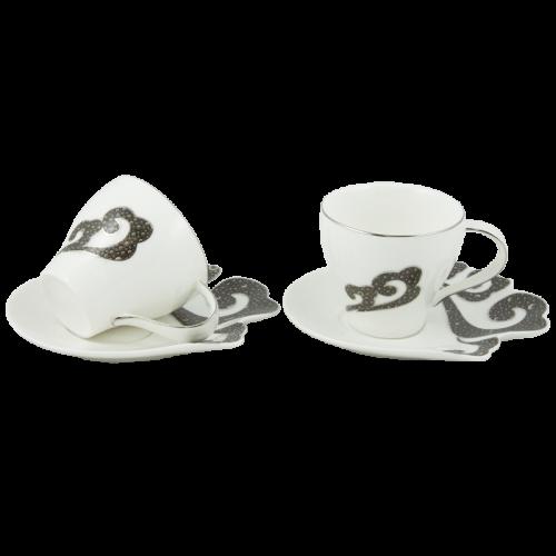 Комплект 2 чаши с чинийки в подаръчна кутия с дръжка на супер цена от Neostyle.bg