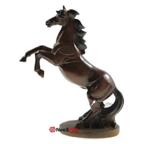 Статуетка''Изправен кон кон''
