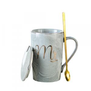 Чаша с капак и лъжичка Mr 400 мл