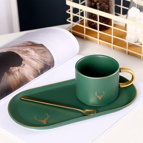 Порцеланова чаша елен + лъжичка на супер цена от Neostyle.bg
