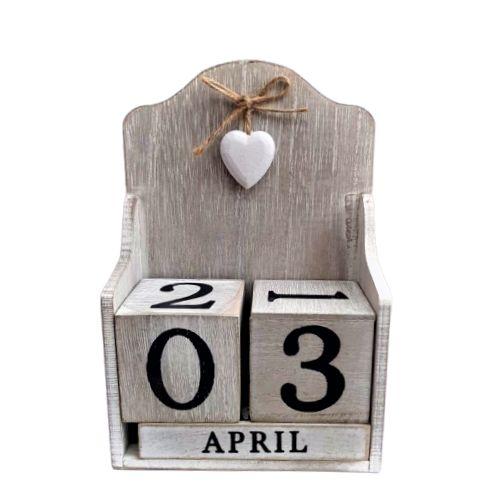Дървен календар на супер цена от Neostyle.bg