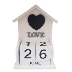 Дървен вечен календар Love