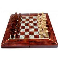 Дървен шах и табла
