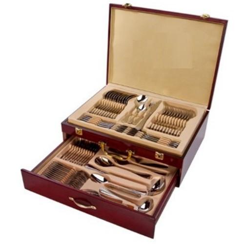Комплект вилици и лъжици в куфар