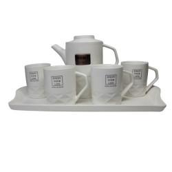 Порцеланов сервиз за чай