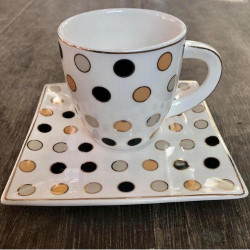 Сервиз за чай на точки