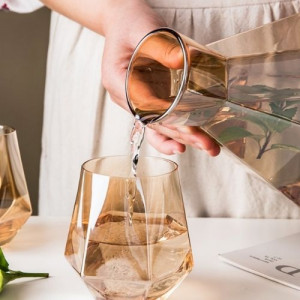 Чаши за уиски с бутилка Amber