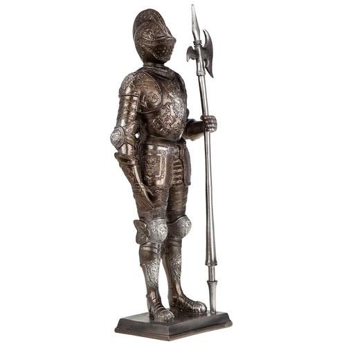 Статуетка на рицар с копие на супер цена от Neostyle.bg