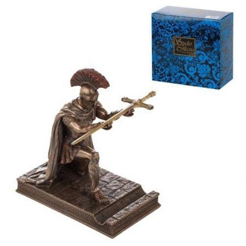 Статуетка рицар с меч на супер цена от Neostyle.bg