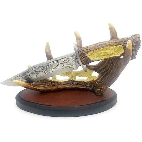 Голям трофеен нож с настолна поставка на супер цена от Neostyle.bg